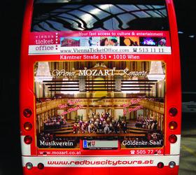 Alphasign-Busbeschriftung-Heck-RedBus-