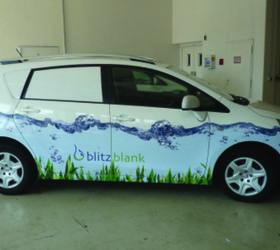 Alphasign-Fahrzeugbeschriftung-BlitzBlank